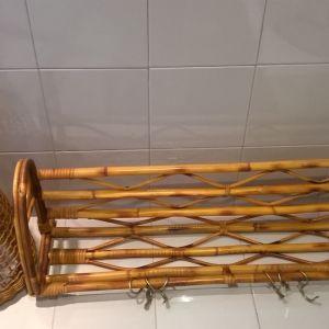 Κρεμάστρα και φωτιστικό εισόδου μπαμπού