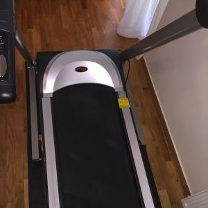 Ηλεκτρονικός διάδρομος γυμναστικής με οθόνη LCD με δωρο το προστατευτικο ειδικό ταπέτο για το πατωμα