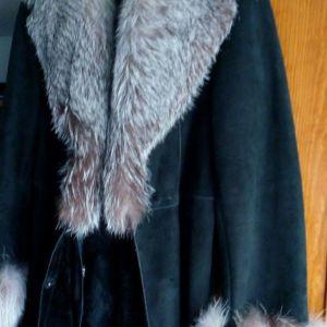 Παλτό μακρύ μουτόν μαύρο με γιακά και μανσέτες από αλεπού gris argent