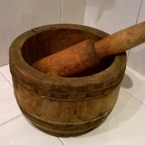 Παλιό ξύλινο γουδί