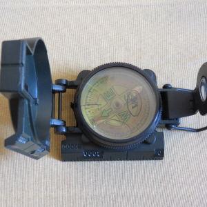 Πυξιδα Lensatic Compass στο κουτι της