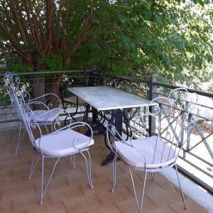 Φερ Φορζέ πολυθρόνες τραπέζι μάρμαρο-μαντέμι
