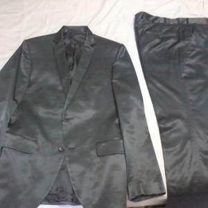 Κουστούμι μαύρο σατέν Aristoteli Bitsiani
