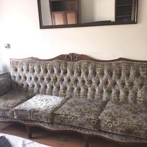 Πωλείται κλασικό σαλόνι και τραπεζαρία