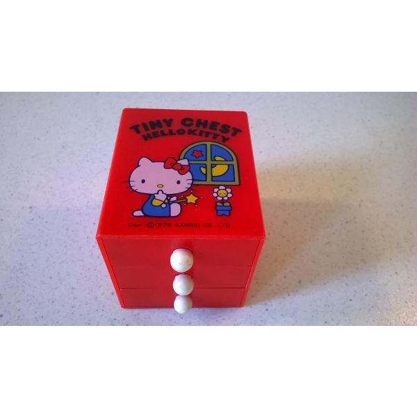 Hello Kitty's Συρταριέρα - Sanrio 1976