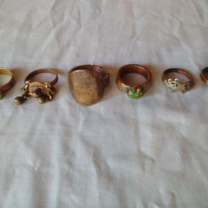 6 Χάλκινα παλαιά δαχτυλίδια