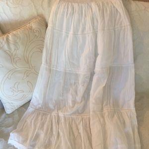 Βαμβακερή λευκή καλοκαιρινή φούστα