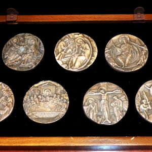 Συλλογή 7 ασημένιων μεταλλίων με την ζωή του Χριστού
