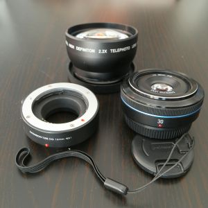 Samsung nx 30mm lens with extras