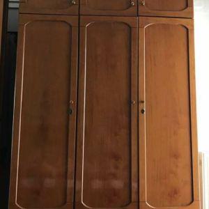 Πωλείται ντουλάπα,  συνθετο, κονσόλα με καθρέφτη και έπιπλο τηλεορασης