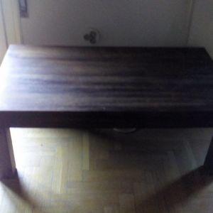 ξυλινο τραπεζι σε αριστη κατασταση