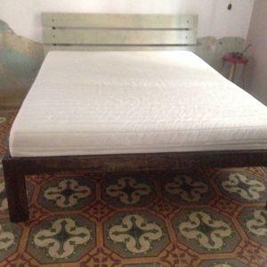 Κρεβάτι και στρώμα/ Bed & matress