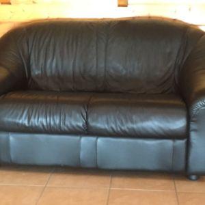 Δερμάτινος καναπές σε άριστη κατάσταση