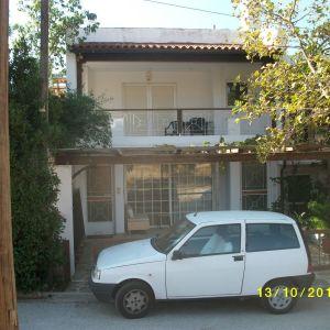 κατοικια Α οροφου 85 μ2+25μ2 βεραντες,διαμπερης