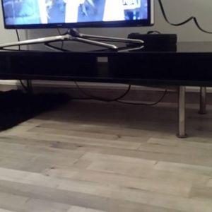 Τραπέζι τηλεόρασης 1.40 χ 0,42