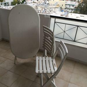 Τραπέζι Πτυσσόμενο με 2 Καρέκλες