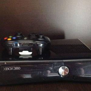 Xbox 360 250Gb plus Kinect Camera