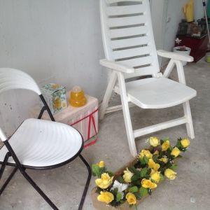 Καρέκλες εξωτερικού και εσωτερικού χωρου.