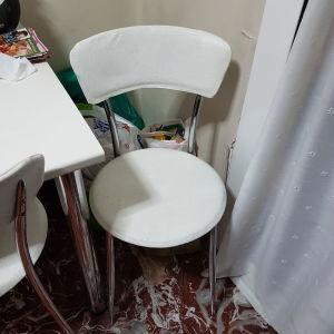 Τραπεζαρία κουζίνας με 4 καρεκλες
