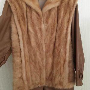 Δερμάτινο μπουφάν με γούνα