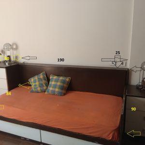 Κρεβάτια δυο και κομοδίνα
