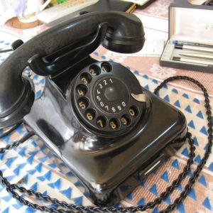 Τηλέφωνο μαύρο