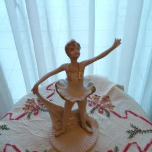 Vintage αγαλματακι μπαλαρινα