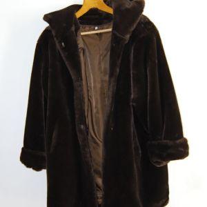 Παλτό Συνθετική Γούνα με Κουκούλα σε Άριστη Κατάσταση