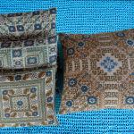 διακοσμητικά χειροποίητα μαξιλάρια με παραδοσιακά σχέδια και βελονιές