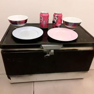 Vintage ψυγείο πάγου- τραπεζάκι- μπαουλακι