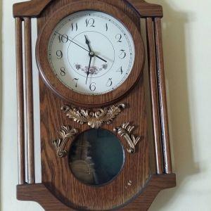 Ρολόι τοίχου με μπαταρία