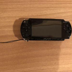 Πώληση PSP + 7 Παιχνίδια