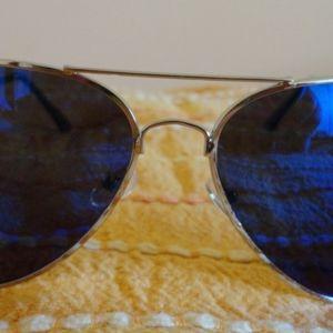 γυαλια ηλιου μαυρα με καθρεπτες ολοκαινουργια - αγγελίες στο ... 59c2d2ca8ab