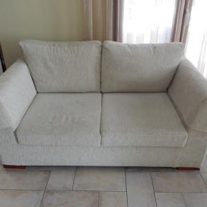 2 διθέσιοι καναπέδες σε άριστη κατάσταση(ο ένας έχει κρεβάτι)
