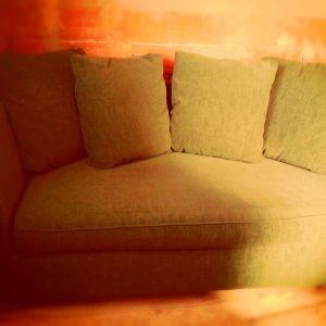 Πωλείται καναπές διθέσιος, σε άριστη κατάσταση, πράσινο χρώμα. διαστάσεις 1,65x90
