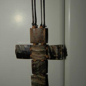 μεγαλος ξύλινος σταυρος κολιε