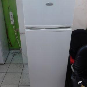 Ψυγείο whirlpool ύψος 140 x 55 cm, 7 ετών σε άριστη κατάσταση καθαρισμένο λειτουργεί κανονικά