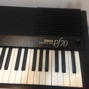 Yamaha electronic piano pf70