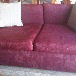 2 μπορντώ διθέσιοι καναπέδες