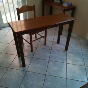 Καρέκλα ξύλινη+τραπέζι ξύλινο. 30€